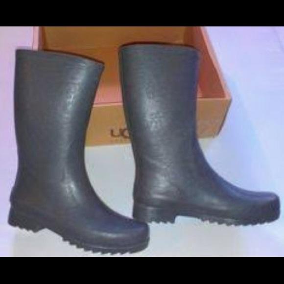9212c391efa UGG Shoes | Wilshire Logo Short Rain Boots 3385 | Poshmark